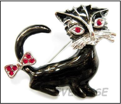 RUBY EYE CATTY BROOCH PIN