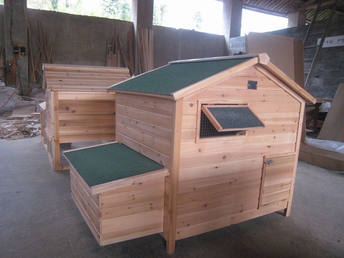 SELL WOODEN CHICKEN HOUSE
