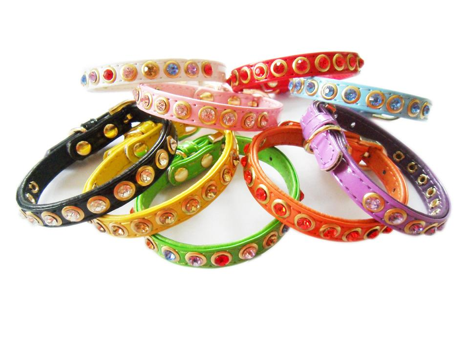 dog collar with color rhinestone